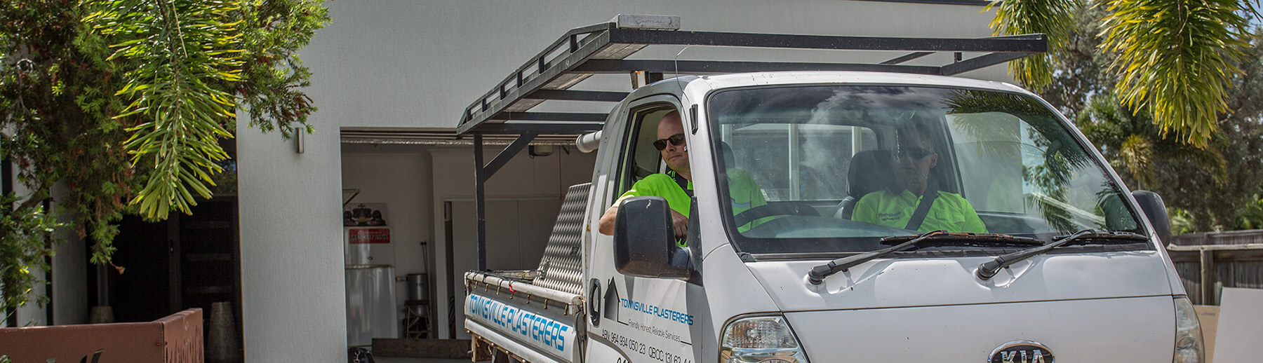 hero_image_make_a_booking_townsville_plasterers